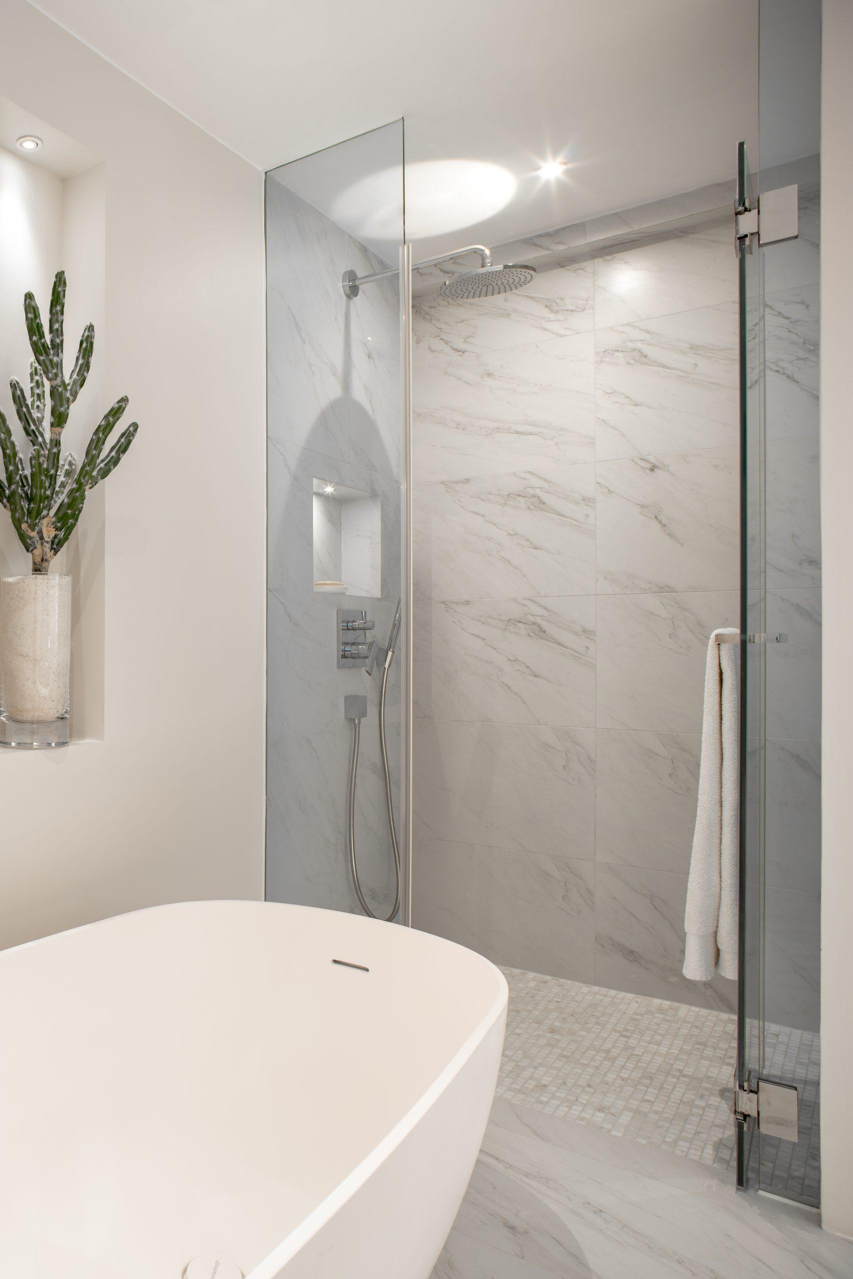 Baguio Villa – Master bathroom 3